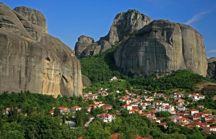 Easter at Meteora Featured image